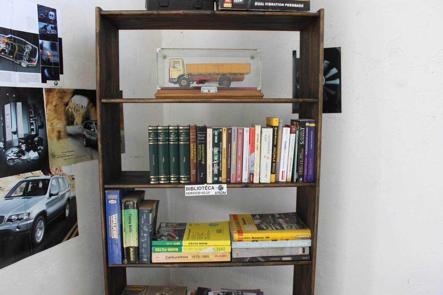 cartile pe fata, biblioteca, service auto